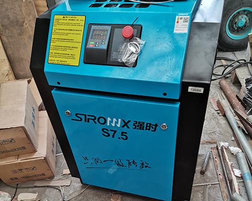 包装行业7.5kw永磁变频空压机安装完工