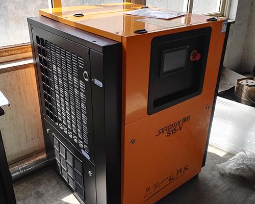 机械加工行业15kw单级压缩永磁变频空压机安装完工
