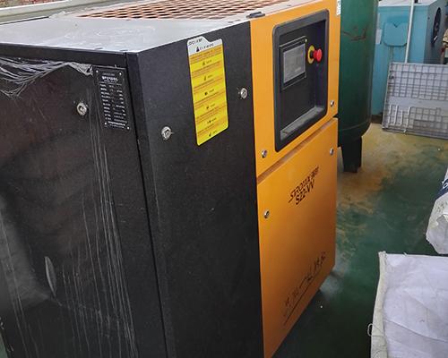 注塑行业22kw永磁变频空压机安装完工