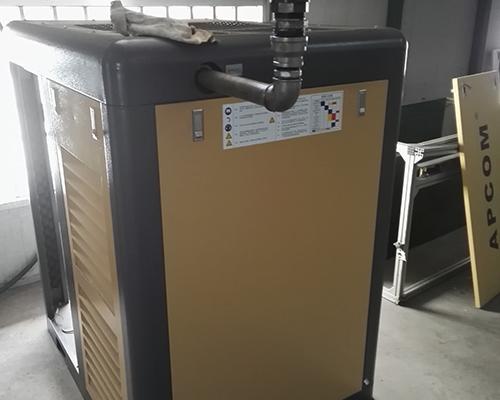 电子行业37kw双极压缩工频机安装完工